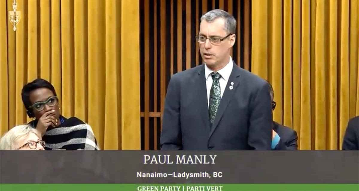 Paul Manly confuses fellow MPs with bizarre first speech in the House of Commons
